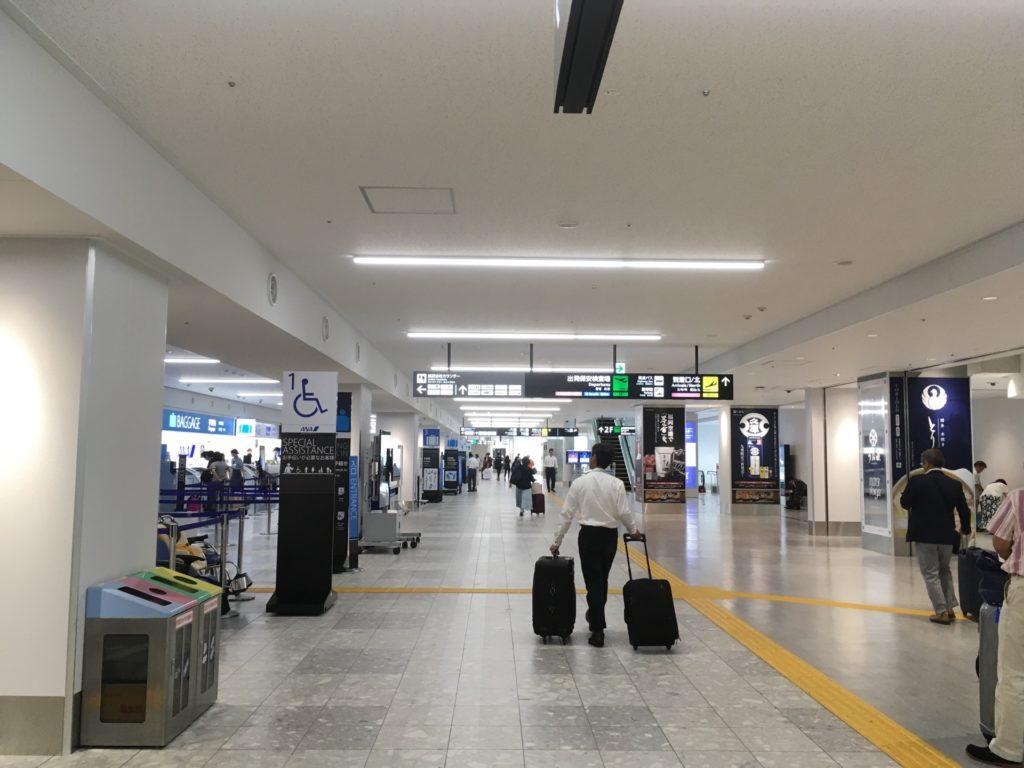 福岡空港 国内線の南側保安検査場周辺