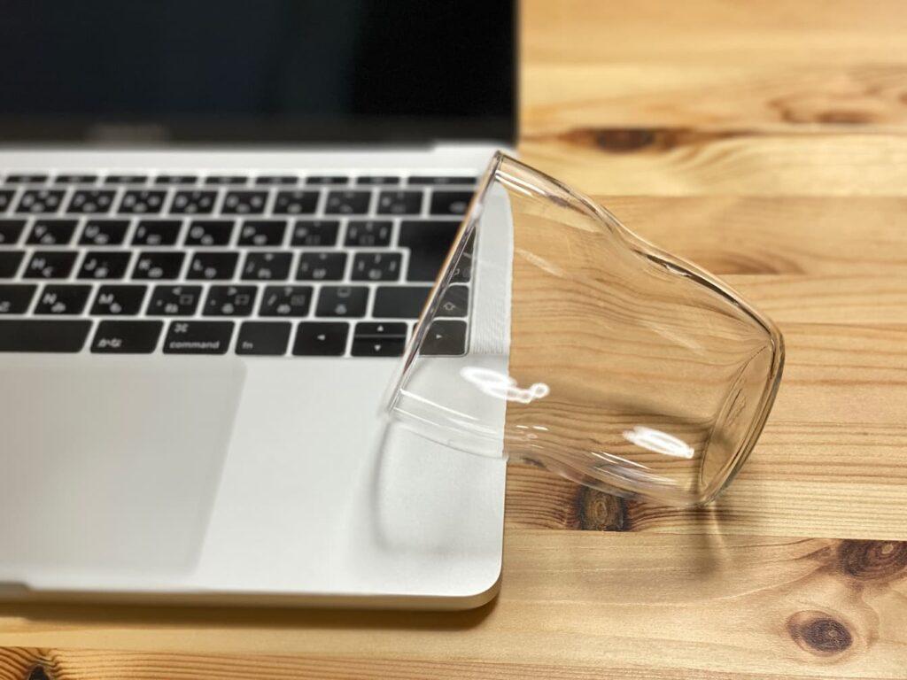 MacBook Pro 水没
